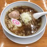 中華そば専門店 勝や - 料理写真:中華麺(ハーフ、雲吞) 830円