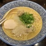 麺匠 黒春晴 - あご出汁鶏そば(塩味)