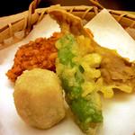 里湯昔話・雄山荘 - 鱒の衣には松の実が。あわび茸がまたおいしい♪