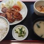 きらく - 料理写真:唐揚げ定食ご飯大盛り