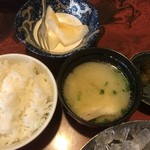 鮨政 - ご飯・味噌汁・デザートのメロン