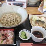 まんえい堂 生蕎麦処 お福食堂 - 暫く待つと注文した煮さばランチ680円の出来あがりです。