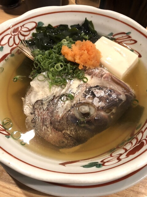 魚屋スタンドふじ - 鯛の骨蒸し。これもオススメ