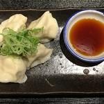 やきとり居酒屋しんちゃん 金山駅前店 - 水餃子