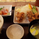 長万部酒場 - 鶏ザンギとダブルサーモン刺身定食