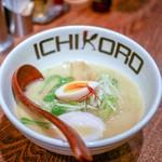 Torisobajiyuubanichikoro - ■鶏そば 830円