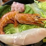 NANI 回転小火鍋 - 海鮮¥300(外税)