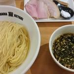 109679016 - つけ麺(900円)+大盛(100円)