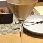 グリシーヌ - 一杯目のシャンパン ジャン・ヴェッセル