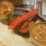 ナマステ ガネーシャマハル - ルンビニセット の カレー2種(チキン、ナスビ&キーマ)、シークカバブ、タンドリーチキン