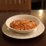 109687394 - モッツァレラとフレッシュバジルのトマトソース