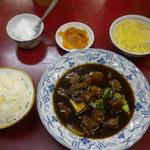 李園 - 料理写真:牛バラの角煮セット
