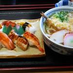 おけ常 - 料理写真:にぎりと天ぷらうどん