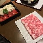 109697546 - 三田ばさら(東京都港区芝)トマト すきやき 6,000円・鍋 すきやき 和牛リブロース150g トマト 玉葱バジル