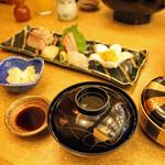 寿々家 - 刺し盛り定食(上) 2,000円。<2011_12>