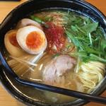 109701825 - 鶏そば(790円) + 味玉(100円)