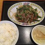 中国料理 銀泉 - 料理写真:二品定食 ⑨ レバニラ炒め ご飯のおかわり無料です!
