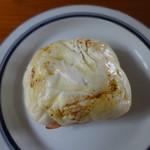 タイゾーベーカリー - チーズロール