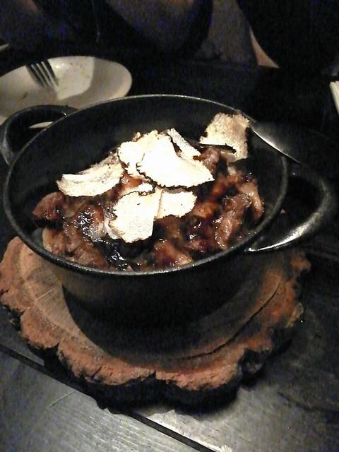 肉 炭 イタメシ ittou - フォアグラのソテーとサマートリュフをのせたマッシュポテト  1580円