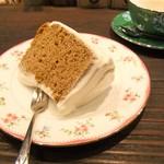 茶亭 羽當 - 紅茶のシフォンケーキ。