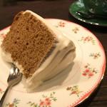 109714351 - 紅茶のシフォンケーキ。