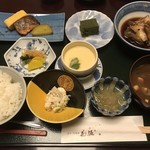 花源 - あら炊き定食=1300円  税別