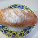 吉野麦米PAN - 米粉パン180円。  熊本産米粉を使用し生クリーム、バター、卵をたっぷり使ったしっとりパンです。