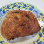 吉野麦米PAN - 紅茶のパン190円。  生地にアールグレイを使い、ホワイトチョコを練りこんだ香りの良いパンです。