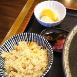 うどん 司 - かやくご飯と小鉢
