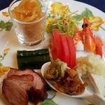 ホテルオークラレストラン三鷹 チャイニーズガーデン 桃亭 - ある日の前菜盛り合わせ