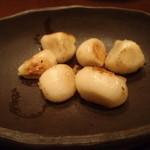 Teppanyamansai - 大粒にんにくの鉄板焼き 780円