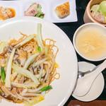 広東炒麺 南国酒家 - サンラータンのあんかけやきそば(\1,350)+セット(\300)
