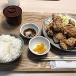 二代目 男寿狼 - 鶏唐揚げ定食(850円)