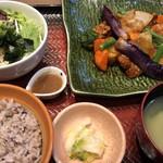 大戸屋 - 鶏と野菜の黒酢あん定食