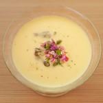 日本料理 晴山 - 料理写真:とうもろこしじゅんさいのスープ