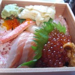 魚屋路  - 料理写真:北海ちらし1,390円(ご飯少なめ)