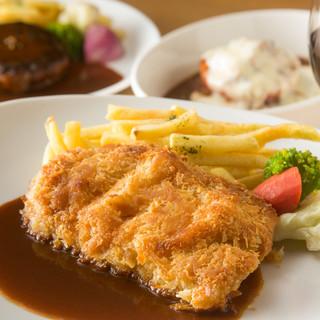 伝統のデミグラスソースを使用した本格洋食やフレンチ