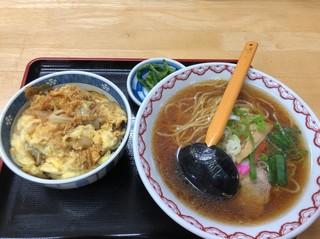 山香食堂 - カツ丼セット、醤油ラーメン美味、カツ丼はイマイチ
