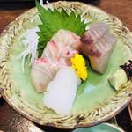 季節料理 魚吉  - 刺身3種