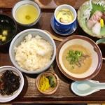 季節料理 魚吉  - さつま汁定食
