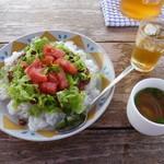 青空食堂 - タコライス スープ付