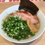 やまぞえ製麺所 - 『しょうゆラーメン 700円+ネギ 100円』