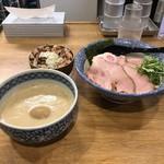 109782615 - 特製つけ麺N並1030円 チャーシュー丼250円