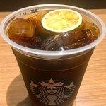 スターバックス・コーヒー - コールドブリュー ライム  Short ¥410  Tall ¥450  Grande ¥490  Venti® ¥530