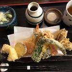 109785160 - 海鮮天ぷらです