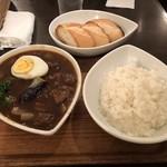 スープカレー屋 鴻 - 黒、ビーフ、1倍、ライス