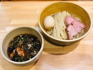 迂直 - 醤油つけ麺+味玉(950円)