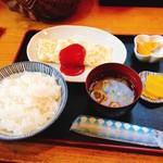 109792459 - オムレツ定食白(640円)