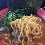 いのこ - えび味噌ラーメン 中太麺