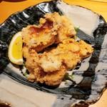権十楼 - 秘伝の鶏の唐揚げ 626円